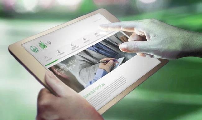 https: img-z.okeinfo.net content 2019 03 04 207 2025576 aplikasi-pelacak-wanita-di-arab-saudi-capai-11-6-juta-pengguna-40gC5zfYKK.jpg
