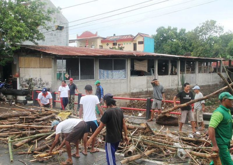 https: img-z.okeinfo.net content 2019 03 08 244 2027495 warga-buleleng-kebanjiran-saat-rayakan-nyepi-JRnfrlEYeD.jpg