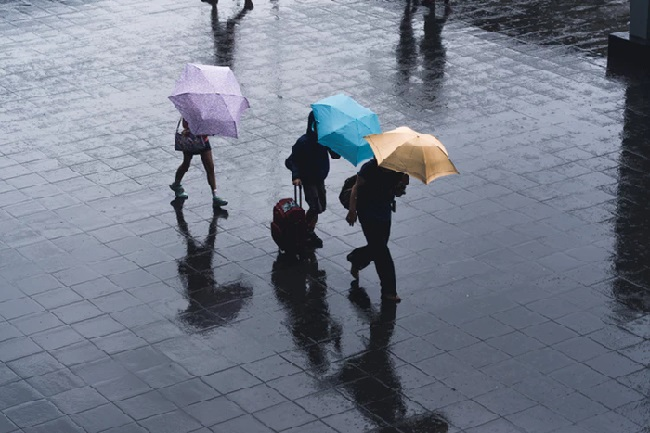 https: img-z.okeinfo.net content 2019 03 11 338 2028215 bmkg-prediksi-jakarta-diguyur-hujan-pada-siang-hari-RHxBwNBCdj.jpg