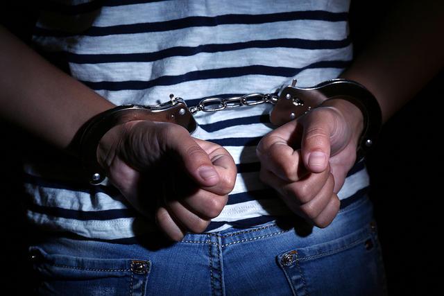 https: img-z.okeinfo.net content 2019 03 12 510 2029033 bawa-puluhan-amunisi-ke-mako-brimob-pemuda-asal-prambanan-ditangkap-7RZyEpv4LB.jpg