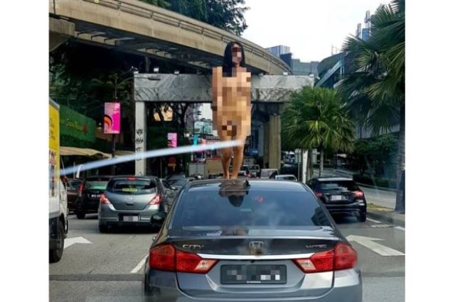 https: img-z.okeinfo.net content 2019 03 14 18 2029971 joget-telanjang-transgender-hebohkan-jalanan-malaysia-hdO0PNtmQr.jpg