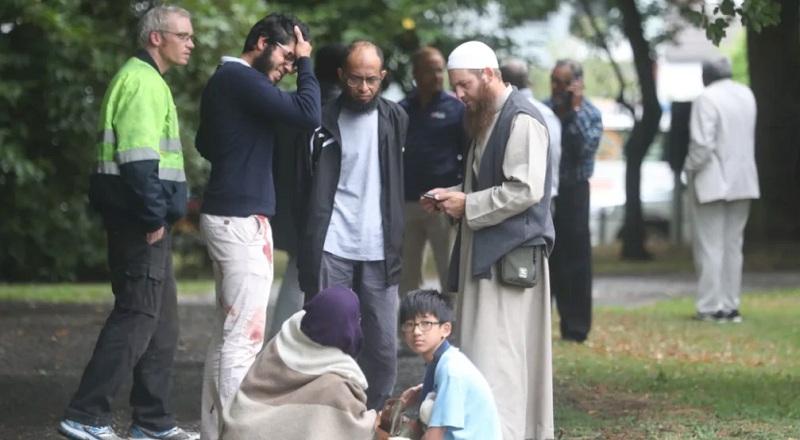 https: img-z.okeinfo.net content 2019 03 15 18 2030253 terdengar-lebih-dari-20-tembakan-di-masjid-christchurch-selandia-baru-saat-salat-jumat-WWzpegWMuZ.jpg