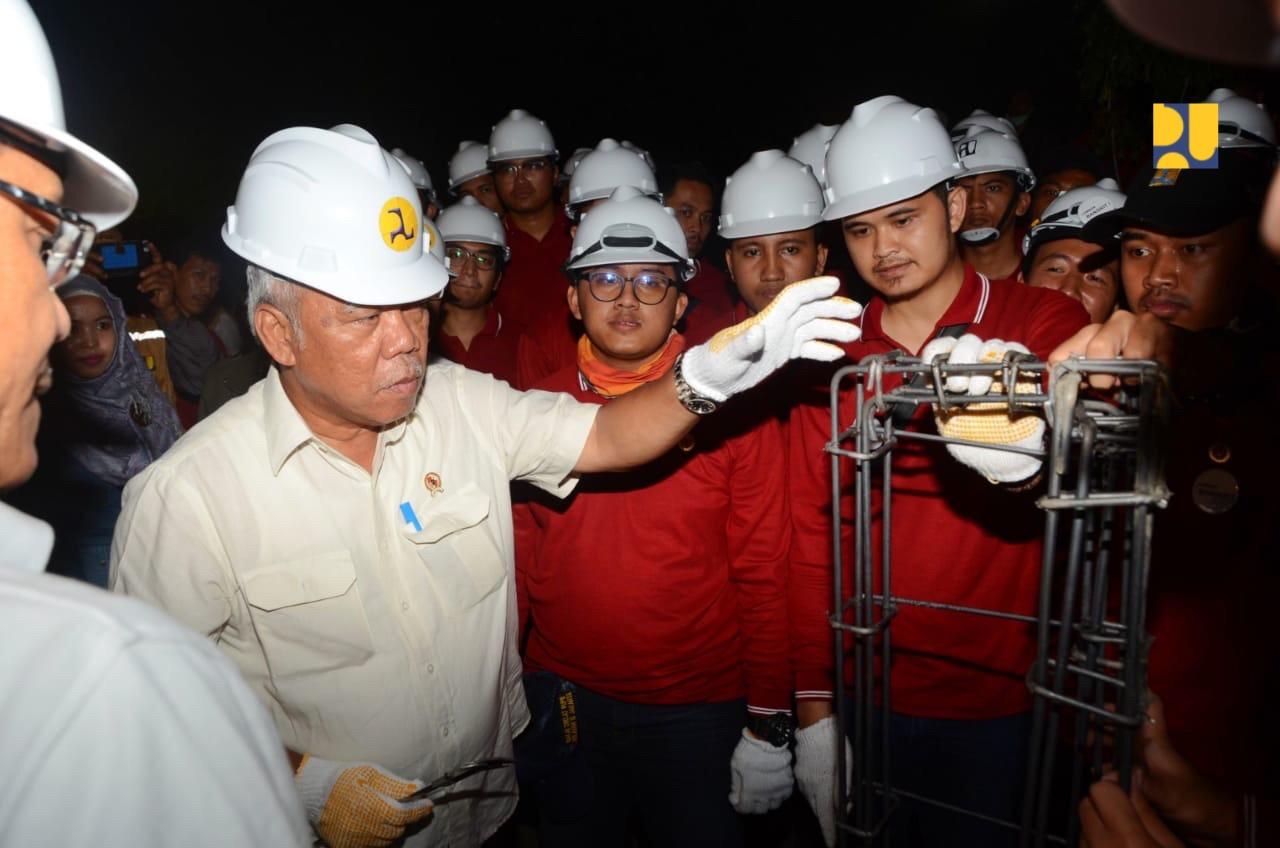 https: img-z.okeinfo.net content 2019 03 15 470 2030591 menteri-basuki-dorong-kerjasama-penyediaan-air-bersih-dengan-swasta-kqykzgYkcW.jpg