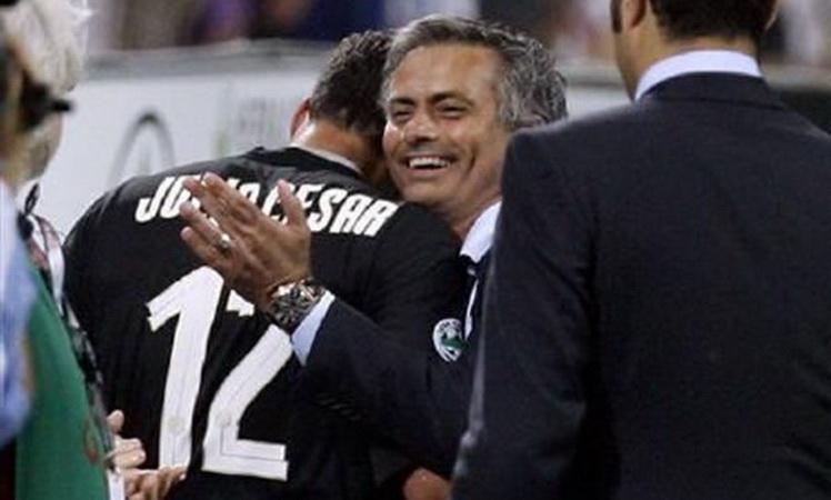 https: img-z.okeinfo.net content 2019 03 15 51 2030525 julio-cesar-ungkap-kepribadian-mourinho-yang-tak-diketahui-banyak-orang-k9d5Rsk8tg.jpg