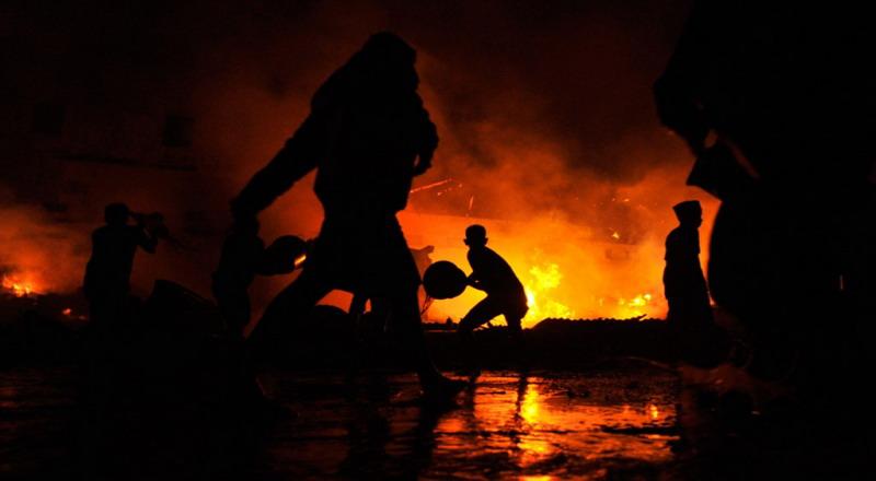 https: img-z.okeinfo.net content 2019 03 17 338 2031212 korban-kebakaran-di-tamansari-mulai-tempati-tenda-penampungan-IvotTkGzjE.jpg