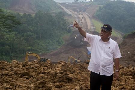 https: img-z.okeinfo.net content 2019 03 18 470 2031451 pembangunan-bendungan-sindangheula-sudah-rampung-98-GDME4kkwjK.jpg
