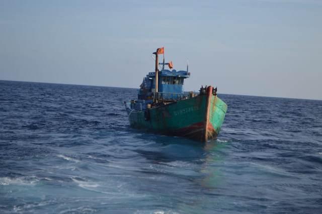 https: img-z.okeinfo.net content 2019 03 19 340 2032202 kapal-pengawas-perikanan-kkp-kembali-tangkap-kapal-illegal-fishing-asal-vietnam-XPBgUrwCOl.jpg