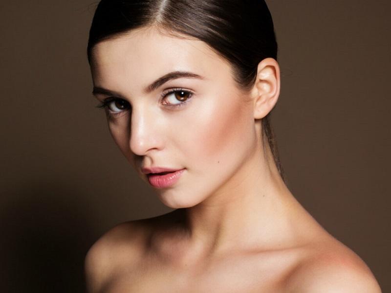 https: img-z.okeinfo.net content 2019 03 20 611 2032819 make-up-cantik-natural-bak-wanita-prancis-ini-tipsnya-qteQ1LGRbA.jpg
