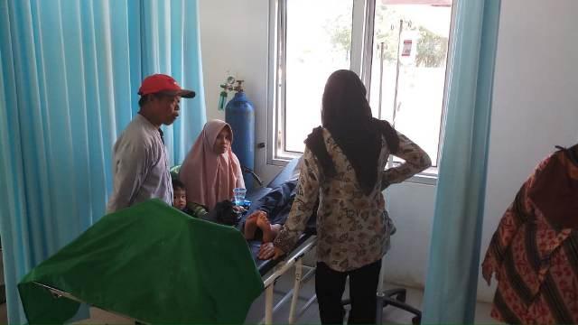 https: img-z.okeinfo.net content 2019 03 22 338 2033665 santap-telor-gulung-belasan-siswa-sd-di-bogor-keracunan-Hhbuzflng5.jpg