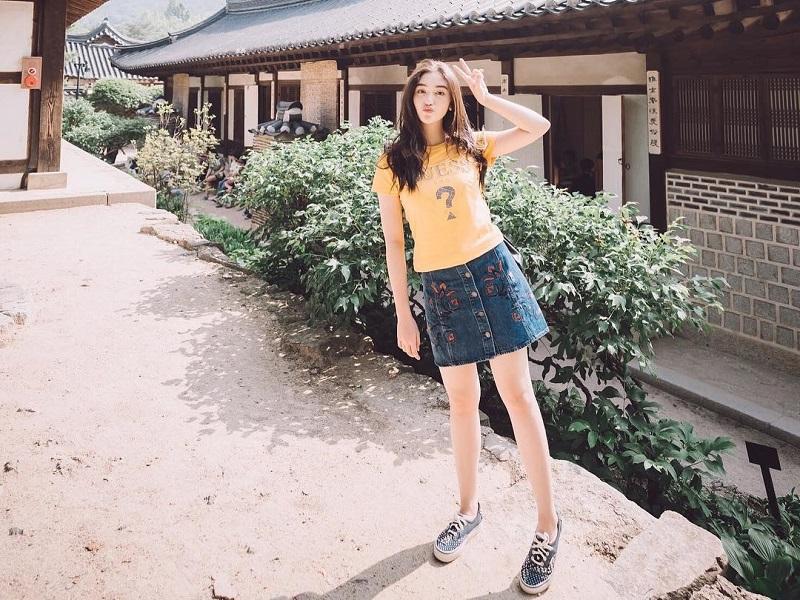 https: img-z.okeinfo.net content 2019 03 27 194 2035797 5-penampilan-korean-style-ala-ranty-maria-cantik-menggemaskan-3cGcCcaJ3p.jpg