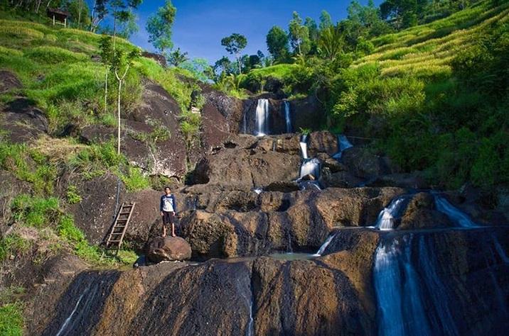 https: img-z.okeinfo.net content 2019 03 28 406 2036369 sehari-di-yogyakarta-kunjungi-3-tempat-ini-diakhiri-dengan-menyantap-gudeg-nikmat-AV4hZFoO6N.jpg