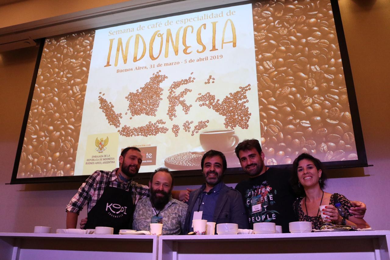 https: img-z.okeinfo.net content 2019 03 30 320 2037173 indonesia-berniat-tingkatkan-ekspor-kopi-ke-argentina-H1wCPCJyqJ.jpeg