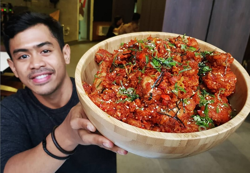 https: img-z.okeinfo.net content 2019 03 31 298 2037518 tanboy-kun-bagikan-tips-jadi-food-vlogger-berminat-aB0QdenuEa.jpg