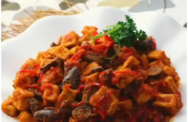https: img-z.okeinfo.net content 2019 04 01 298 2037670 praktis-untuk-makan-siang-bikin-sambal-goreng-tahu-jantung-ayam-XG3v3ejsmp.jpg