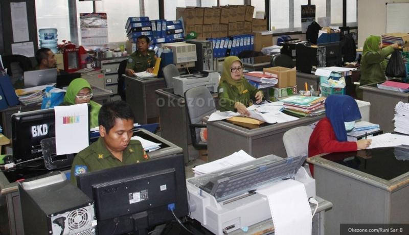 https: img-z.okeinfo.net content 2019 04 02 320 2038413 3-juta-pns-di-indonesia-sudah-tua-fHVgX02afI.jpg