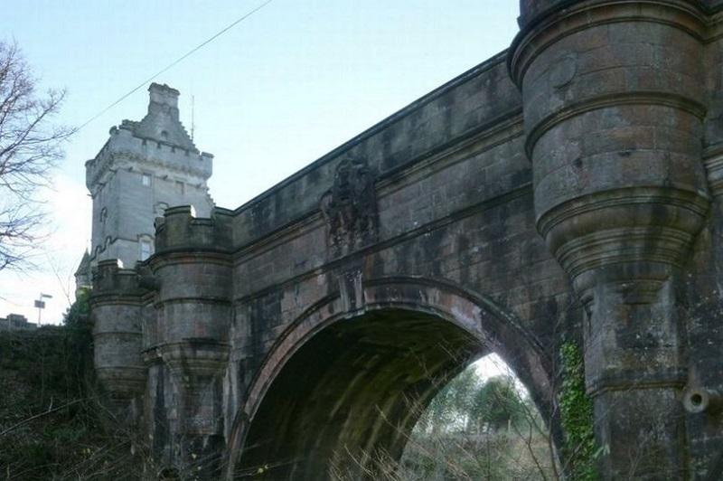 https: img-z.okeinfo.net content 2019 04 04 612 2039047 terungkap-misteri-jembatan-di-skotlandia-yang-bikin-600-anjing-lompat-bunuh-diri-sSoTU4OAfo.jpg
