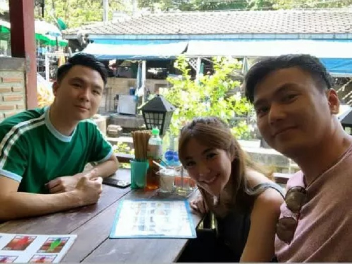 https: img-z.okeinfo.net content 2019 04 05 406 2039439 serunya-traveling-gisel-dan-wijaya-saputra-ke-thailand-dari-makan-mi-sampai-naik-tuk-tuk-uYBAqsPsPm.jpg