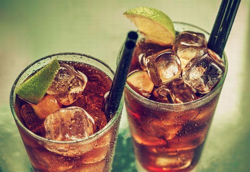 https: img-z.okeinfo.net content 2019 04 08 481 2040369 bahaya-minum-soda-setelah-olahraga-UHK9qhXgaw.jpg