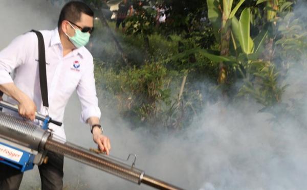 https: img-z.okeinfo.net content 2019 04 09 337 2041003 gelar-fogging-nasional-perindo-ini-pesan-hary-tanoe-agar-indonesia-bebas-wabah-dbd-NiAqoliJz8.jpg