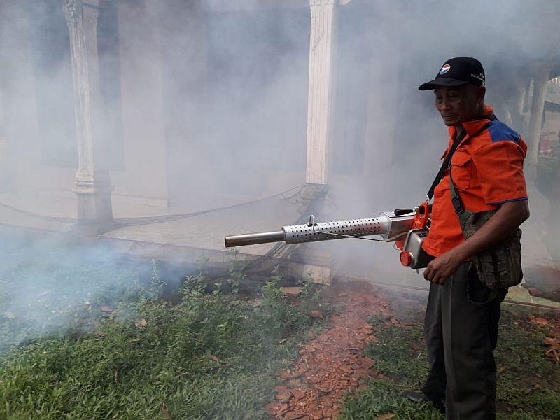 https: img-z.okeinfo.net content 2019 04 10 610 2041332 fogging-serentak-se-indonesia-perindo-tak-pernah-berhenti-layani-masyarakat-U3dAo0TJA7.jpg