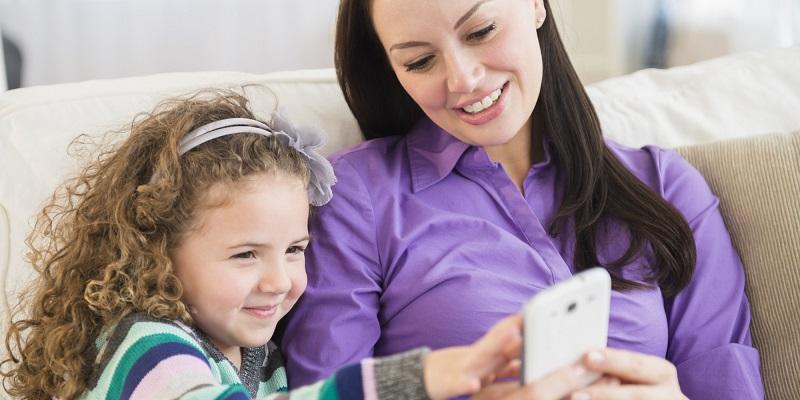 https: img-z.okeinfo.net content 2019 04 11 196 2042071 marak-kekerasan-pada-anak-kpppa-orangtua-harus-ketahui-konsekuensi-pemberian-gadget-S8XalHMhBk.jpg