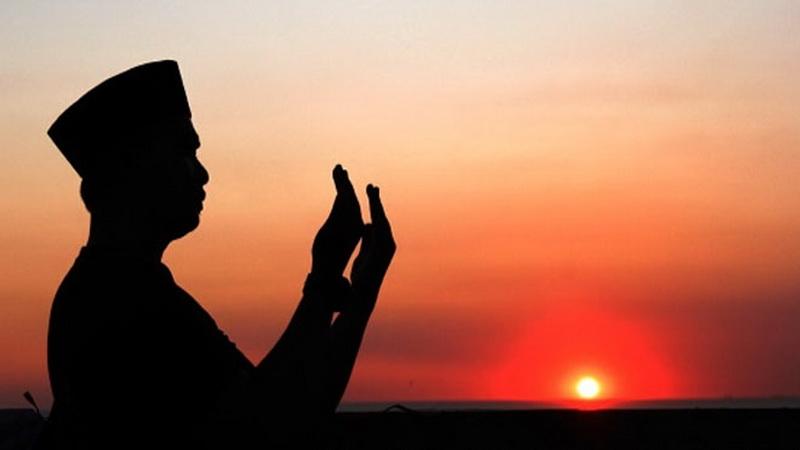 https: img-z.okeinfo.net content 2019 04 11 196 2042107 puasa-ramadan-hari-ke-2-jangan-lupa-baca-doa-ini-2xZMDbRZTn.jpg