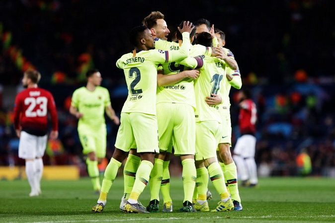 https: img-z.okeinfo.net content 2019 04 11 261 2042011 barcelona-tundukkan-manchester-united-di-4-stadion-berbeda-tifVpZGIMt.jpg