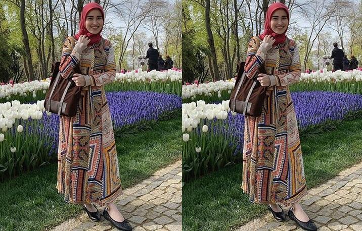 https: img-z.okeinfo.net content 2019 04 15 194 2043757 5-potret-ayu-ting-ting-pakai-hijab-saat-liburan-di-turki-bikin-adem-lihatnya-jJcwwkgVWn.jpg