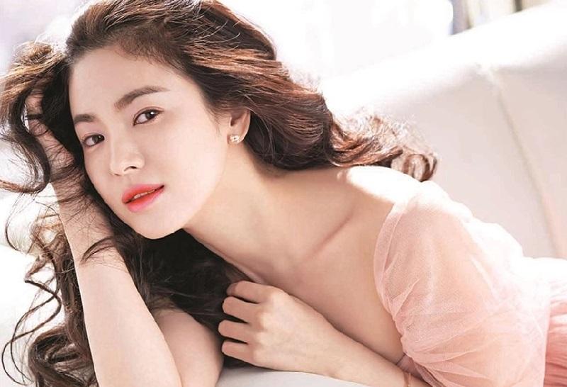 https: img-z.okeinfo.net content 2019 04 15 194 2043933 kosmetik-korea-makin-digandrungi-manfaat-bikin-glowing-paling-diincar-tgengLdQqi.jpg