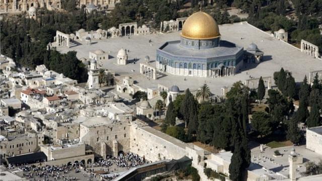 https: img-z.okeinfo.net content 2019 04 16 18 2044112 masjid-al-aqsa-di-yerusalem-kebakaran-RA6paauPcR.jpg