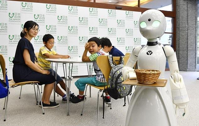 https: img-z.okeinfo.net content 2019 04 16 320 2044132 industri-berlomba-gunakan-robot-qat87AP6v3.jpg