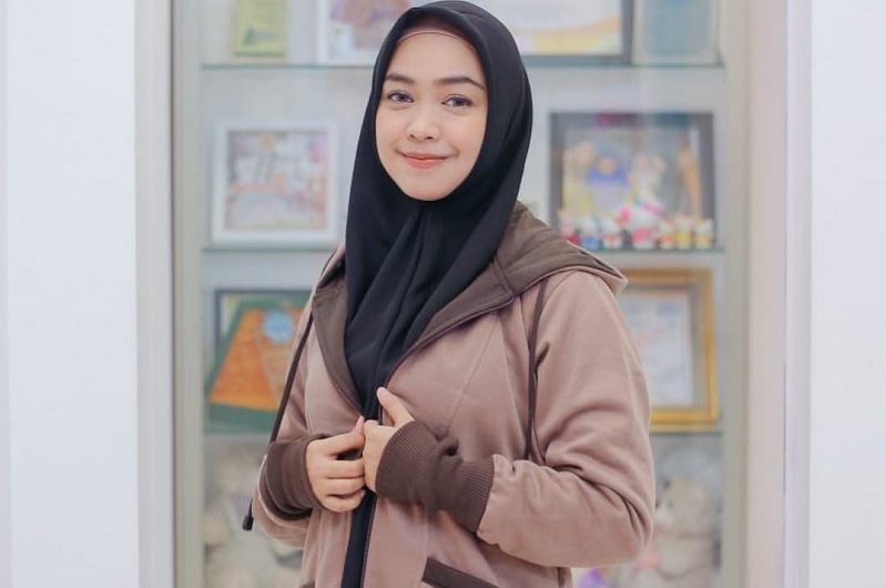 https: img-z.okeinfo.net content 2019 04 16 33 2044138 termakan-hastag-ria-ricis-menyesal-dukung-audrey-nS2HJknRCk.jpg