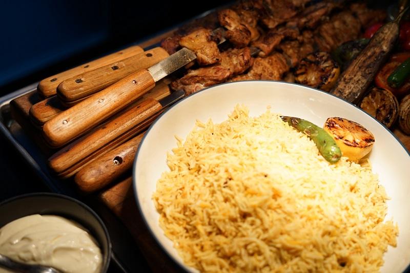 https: img-z.okeinfo.net content 2019 04 18 298 2045349 kombinasi-daging-dan-cita-rasa-rempah-keunggulan-hidangan-kebab-khas-turki-QaeGyu6B8O.jpg