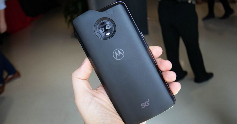 https: img-z.okeinfo.net content 2019 04 18 57 2045375 moto-z3-jadi-smartphone-5g-pertama-saingi-samsung-920njKSS3q.jpg