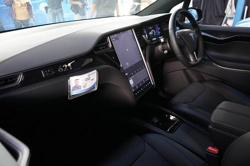 https: img-z.okeinfo.net content 2019 04 23 320 2047044 tebar-insentif-untuk-perbanyak-mobil-listrik-LMnwjVieFz.jpg