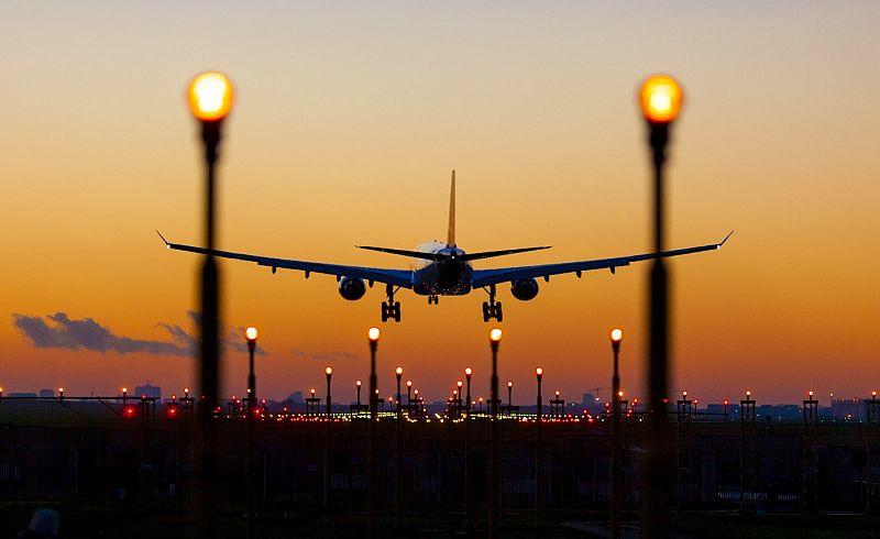 https: img-z.okeinfo.net content 2019 04 24 320 2047285 tim-pengendali-inflasi-akan-bahas-mahalnya-harga-tiket-pesawat-a21EDPUjGb.jpg