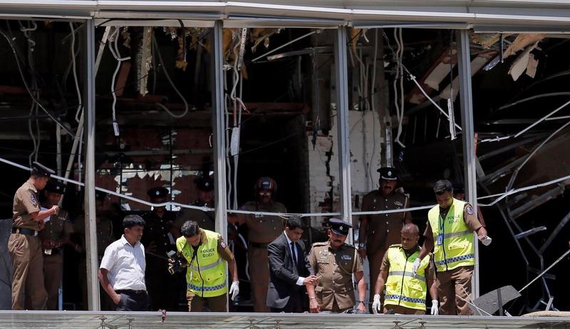 https: img-z.okeinfo.net content 2019 04 25 18 2047907 pelaku-serangan-bom-sri-lanka-terlihat-antre-sarapan-sebelum-meledakkan-diri-1QrifhkI6e.jpg