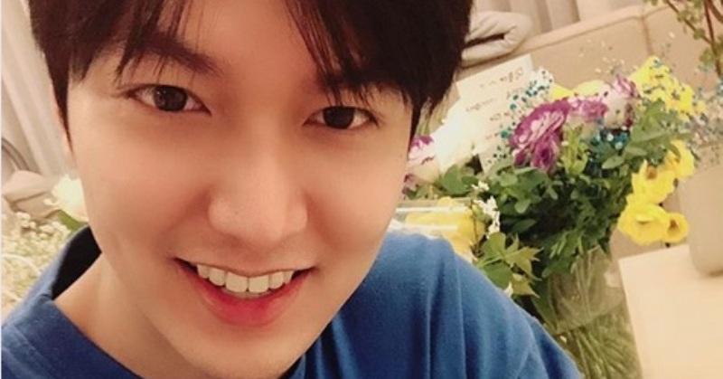 https: img-z.okeinfo.net content 2019 04 26 33 2048276 selfie-perdana-lee-min-ho-usai-wamil-netizen-enggak-sanggup-rJMqc87Tj8.jpg