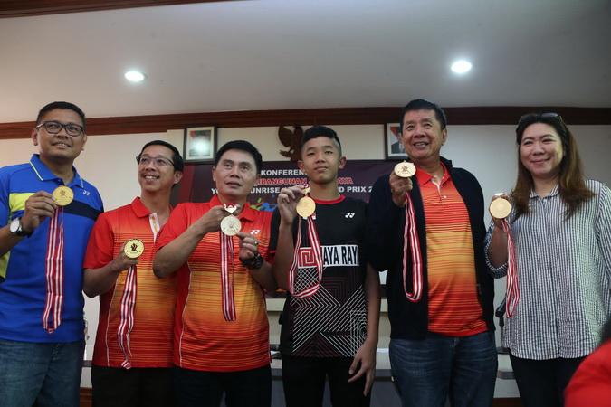 https: img-z.okeinfo.net content 2019 04 26 40 2048405 turnamen-bulu-tangkis-junior-kelas-dunia-kembali-digelar-di-indonesia-TF4b7UzhUq.jpg