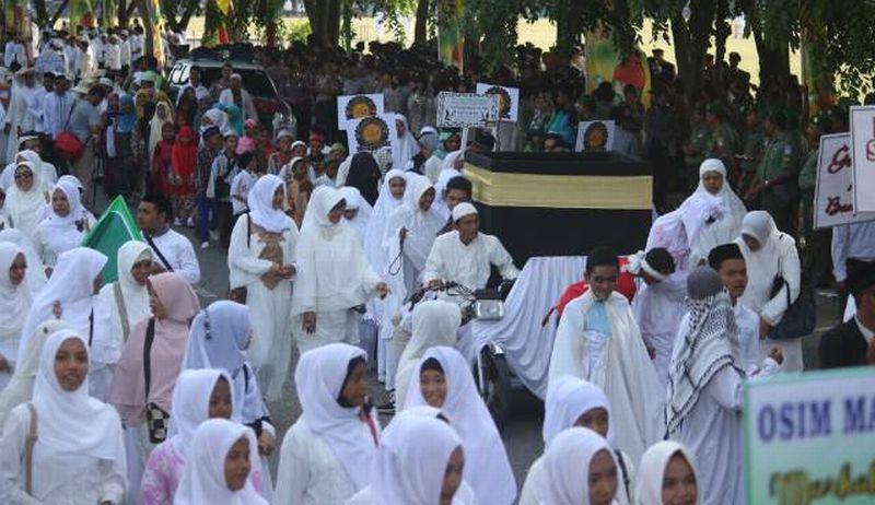 https: img-z.okeinfo.net content 2019 04 26 610 2048288 tradisi-sambut-ramadan-ribuan-warga-ziarah-kubro-di-palembang-wOcAdygWxP.jpg