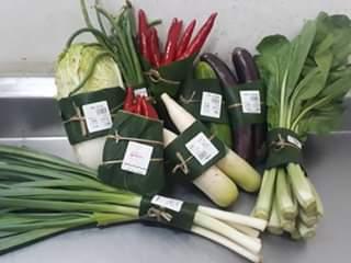 https: img-z.okeinfo.net content 2019 04 26 612 2048167 viral-di-medsos-supermarket-di-bali-pakai-daun-pisang-untuk-bungkus-sayuran-5M8UPdebQk.jpg