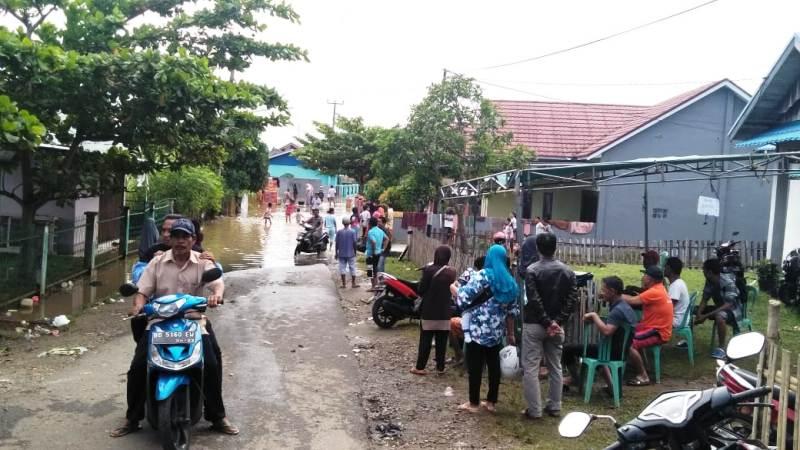 https: img-z.okeinfo.net content 2019 04 28 340 2049098 bencana-usai-banjir-di-bengkulu-surut-diserang-kawanan-lintah-hingga-lipan-jECAZEIeji.jpeg