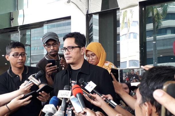 https: img-z.okeinfo.net content 2019 04 30 337 2049735 kasus-suap-bowo-sidik-kpk-periksa-dirut-pupuk-indonesia-logistik-gaLN3hqxqU.JPG
