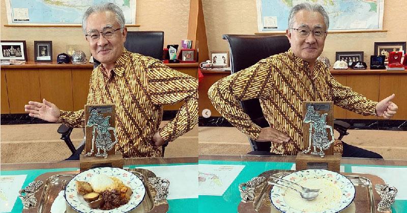 https: img-z.okeinfo.net content 2019 05 02 298 2050523 7-gaya-dubes-jepang-pamer-kuliner-lokal-indonesia-selalu-dimakan-sampai-piring-bersih-N2kC3oDDut.jpg