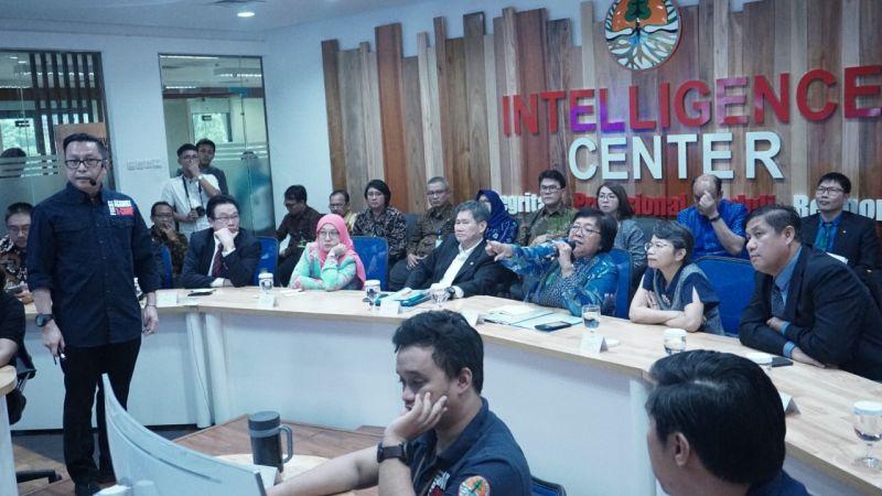 https: img-z.okeinfo.net content 2019 05 02 337 2050787 penegakan-hukum-yang-tegas-mampu-lindungi-hutan-indonesia-dari-pembalakan-dan-karhutla-E3sdxn1W3A.jpg
