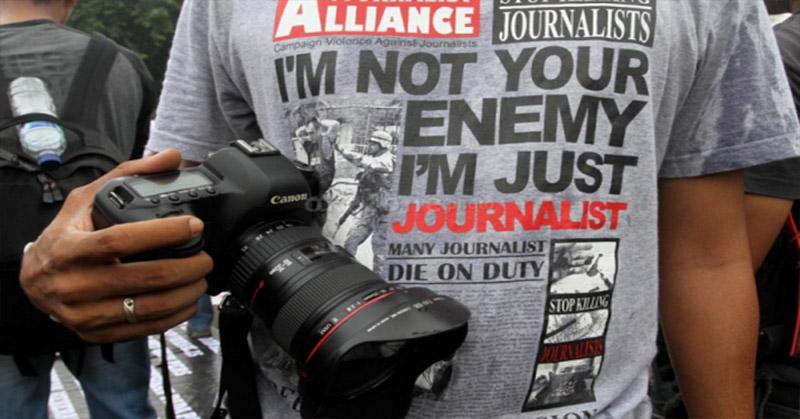 https: img-z.okeinfo.net content 2019 05 02 525 2050573 propam-periksa-polisi-yang-menganiaya-jurnalis-saat-may-day-di-bandung-ydidojDieM.jpg