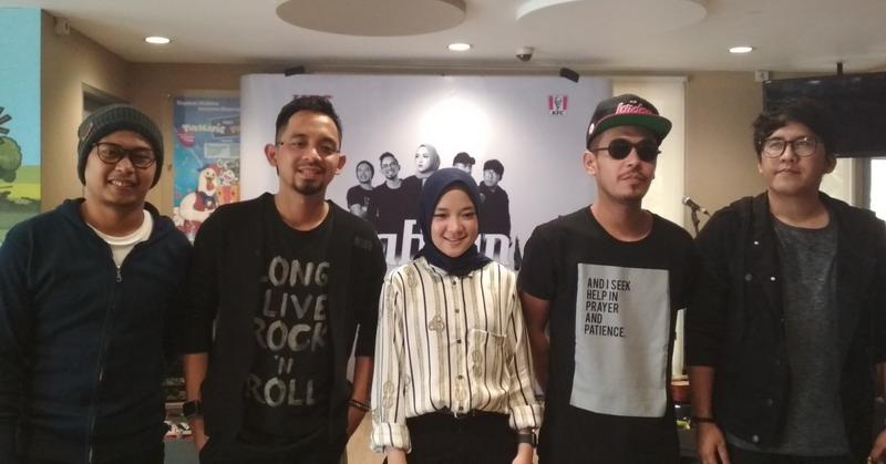 https: img-z.okeinfo.net content 2019 05 03 205 2051210 rilis-album-pertama-sabyan-perbanyak-lagu-bahasa-indonesia-bvin2hbNrk.jpg