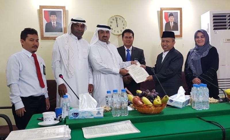 https: img-z.okeinfo.net content 2019 05 06 453 2052195 layani-transportasi-jamaah-haji-8-perusahaan-transportasi-arab-saudi-teken-kontrak-QGZK3uFORm.jpg