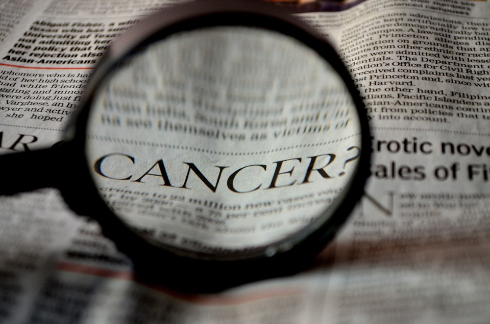 https: img-z.okeinfo.net content 2019 05 06 481 2052252 pasien-kanker-tak-bisa-akses-obat-kemenkes-masih-tutup-mulut-FmJaK4RDoC.jpg