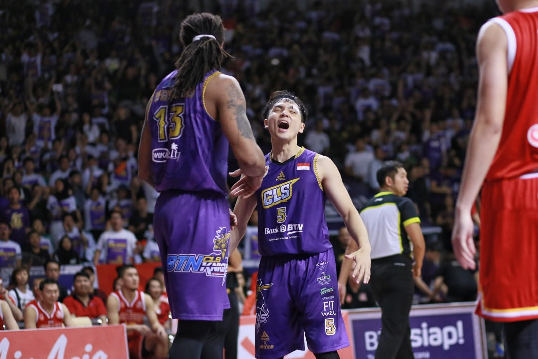 https: img-z.okeinfo.net content 2019 05 09 36 2053307 kalah-di-final-game-ketiga-cls-knights-tertinggal-1-2-dari-singapore-slinggers-FZYpdMfF40.jpeg